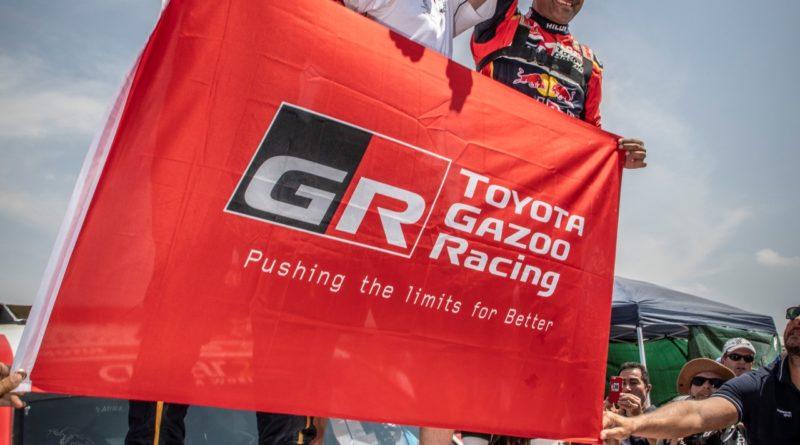 Toyota Hilux – historicky první vítězství benzínového vozu na Rally Dakar