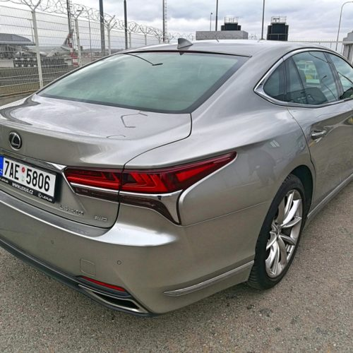 Lexus LS500 10