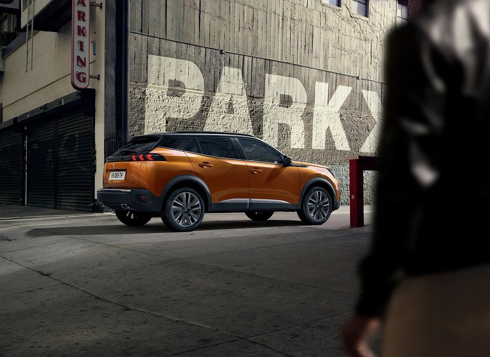 Nová generace SUV Peugeot 2008 přijede i na elektřinu