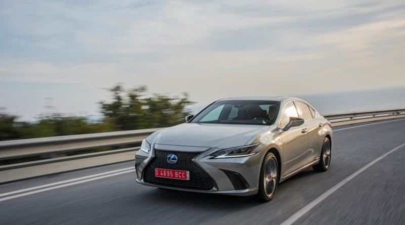V emisním testu Autoklubu ADAC letošní rok zvítězil Lexus