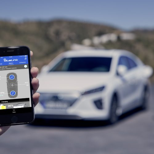 hyundai-new-ioniq-electric-PhoneApp interface