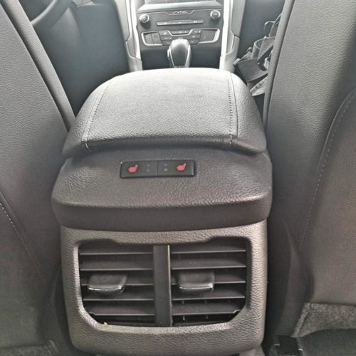 Ford Mondeo Hybrid_35