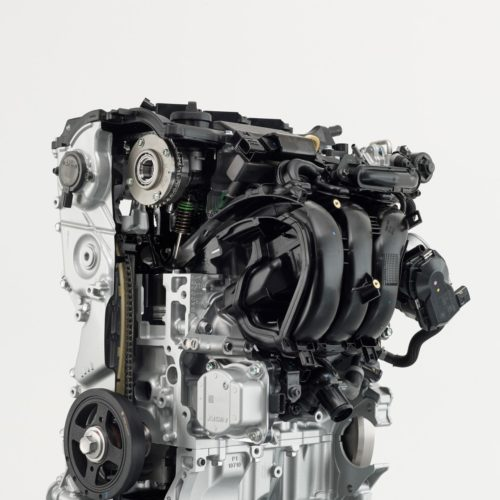 New_Toyota_Yaris_Toyota_Parts_Vil_Engine3_300dpi