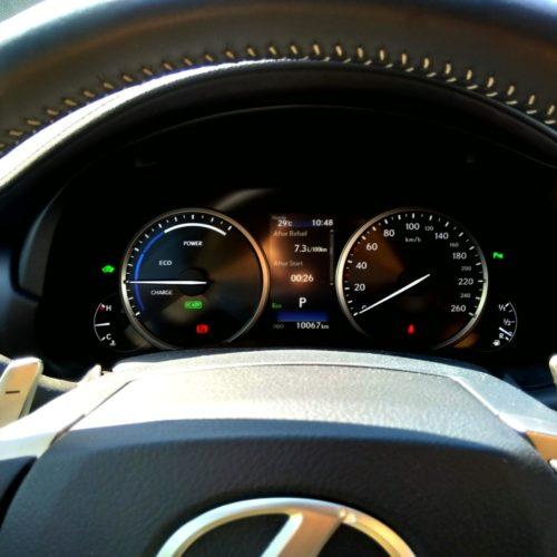 Lexus NX300h_34
