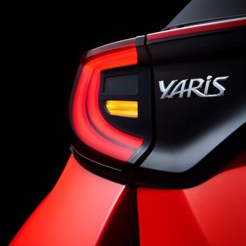 New_Toyota_Yaris_Badge_V04_LIGHTS_5