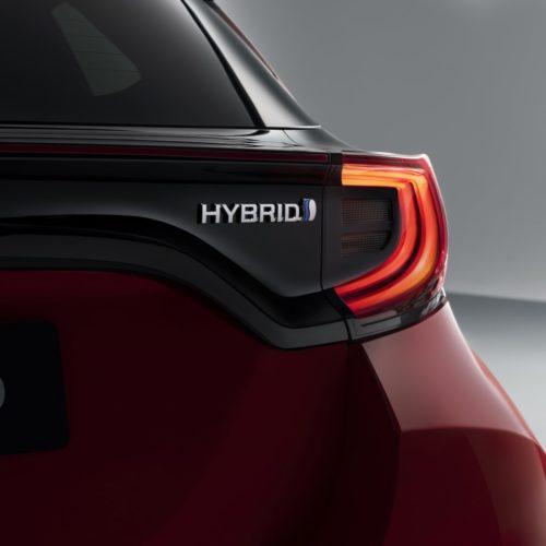 New_Toyota_Yaris_G1_Badge_RGB_11