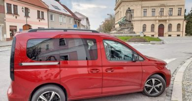 Volkswagen Caddy Maxi Style 2,0 TDI 7 místný