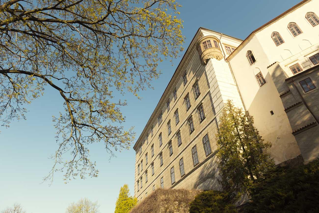 Počesku: Kam vyrazit za nejkrásnějšími, ale méně známými hrady a zámky