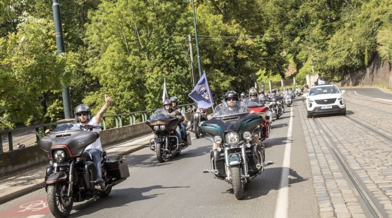 Po roce opět ovládnou Prahu stovky motocyklů Harley-Davidson