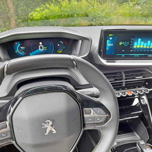 Peugeot e-208 GT_26