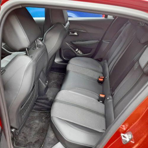 Peugeot e-208 GT_29