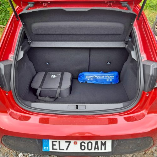 Peugeot e-208 GT_30