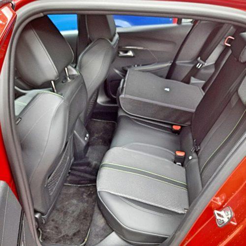 Peugeot e-208 GT_34