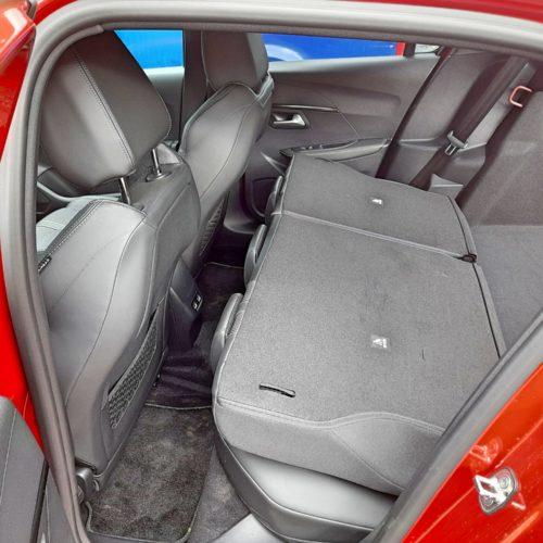 Peugeot e-208 GT_35