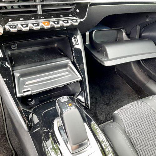 Peugeot e-208 GT_43